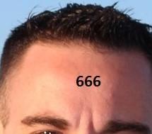 Le nombre de la bête: 666 sera marqué sur les fronts et sur les mains. Il faudra de toutes ses forces rejeter cette marque, signe d'allégeance à la bête.