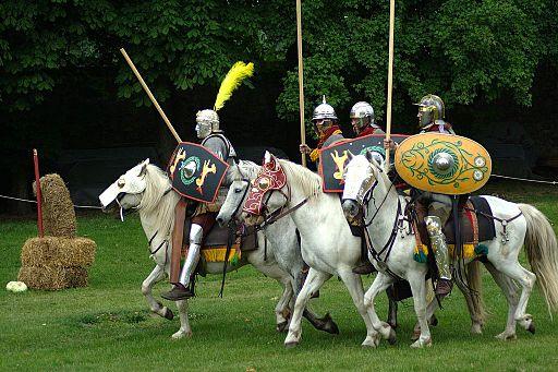 Les troupes auxiliaires étaient composées de tribus barbares au service de l'Empire romain. Ils constituent un soutien pour la fille du Roi du Sud selon la prophétie de Daniel.