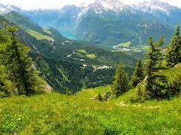 « Le ciel raconte la gloire de Dieu et l'étendue révèle l'œuvre de ses mains »; Le contact avec la nature nous rapproche de Dieu.