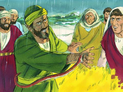 Dans le verset d'Actes 28 :6 où Paul est pris pour un dieu. Les traducteurs ont ajouté l'article indéfini « un » devant « théos ».