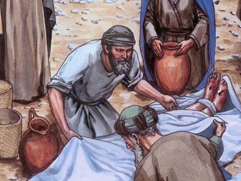 Après la mort de Jésus, un membre du sanhédrin, Joseph, un homme bon et juste différent des autres membres, va trouver Pilate et lui demande le corps de Jésus. Il le descend de la croix, l'enveloppe dans un drap de lin.