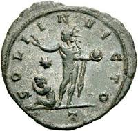 La figure du soleil offre l'avantage d'incarner à la fois le lien avec le panthéon romain (personnification d'Apollon) et les croyances d'inspiration orientale tel le culte de Mithra très en vogue dans les milieux militaires. Union religieuse des peuples.