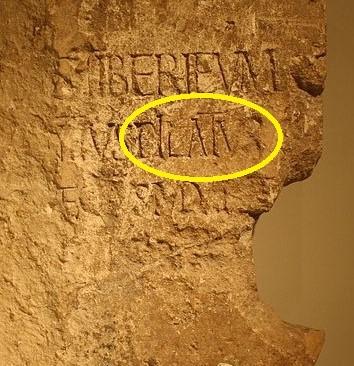Ponce Pilate, préfet romain de la province de Judée de 26 à 36 ap J-C, pour lequel on a trouvé une preuve archéologique en 1961: L'inscription de Pilate. Darius le Mède aussi a bien existé même si l'on n'a aucune preuve historique.