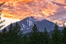 La Montagne dans la Bible est un symbole important - par exemple le Mont Sinaï en Egypte dans le désert du Sinaï.