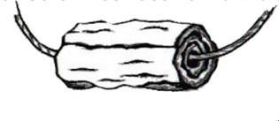 Dans une grotte funéraire à Ketef Hinnom (en hébreu 'l'épaule d'Hinnom'), une colline dominant la vallée de Hinnom, les archéologues ont retrouvé 2 rouleaux en argent: les rouleaux KH1 et KH2, peut-être des amulettes portées autour du cou ou du poignet.