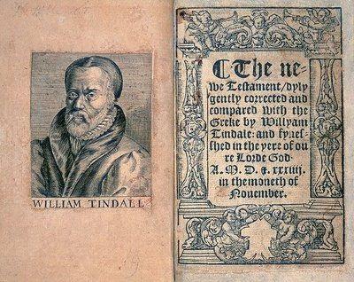 William Tyndale est un théologien érudit qui parle 8 langues: anglais, hébreu, grec, latin, espagnol, italien, français, allemand. Il veut traduire la Bible en anglais. Depuis John Wyclif celui qui veut traduire la Bible est passible de la peine de mort.