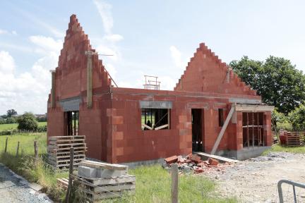 maçonnerie achevée d'une maison neuve