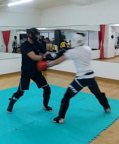 teamYAMATO奈良北支部【西大寺】キックボクシング最初の練習。シャドー。奈良市、生駒市からキックボクシングの練習に来てます。