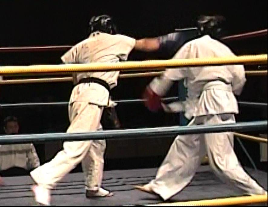 奈良市でキックボクシング、グローブ空手をするならteamYAMATO奈良新大宮支部。格闘技未経験者でも安心して練習できます。
