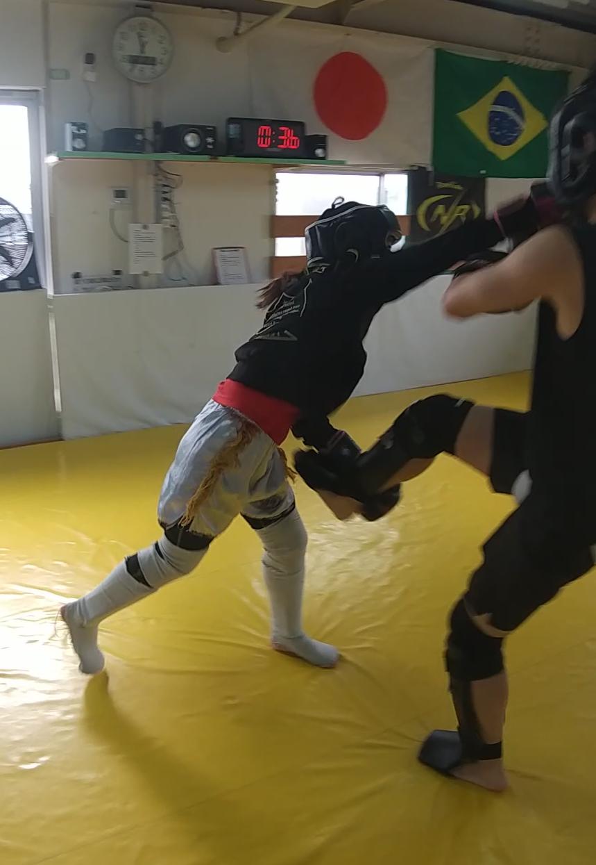 土曜の朝はteamYAMATO奈良北支部【新大宮】、キックボクシングを通じて健康な精神と肉体を育みます。