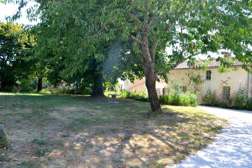 Terrasse ouest Gîte Le Four à Pain - Gîte du Maréchat Cabariot