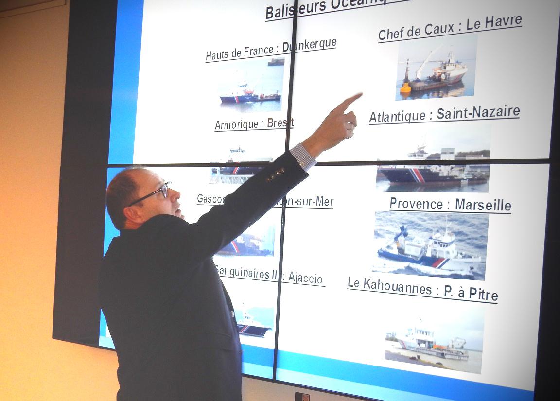 Marc Léger, Directeur d'Armement Phares et Balises présente les dernières unités entrées en flotte.