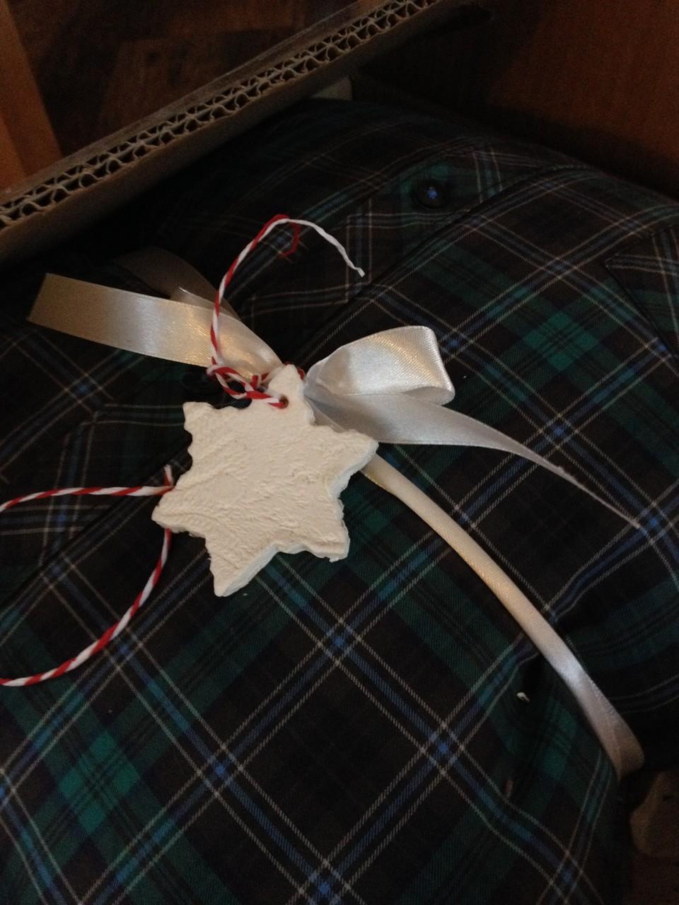 Mit den fertigen Figuren könnt ihr dann eure Geschenke verzieren :)