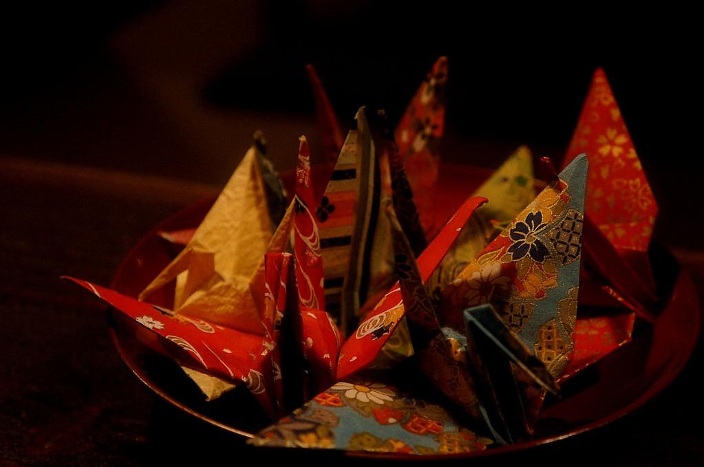 和紙で折った鶴たち