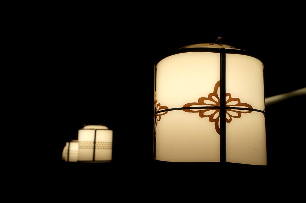 京都の骨董商で仕入れたランプ