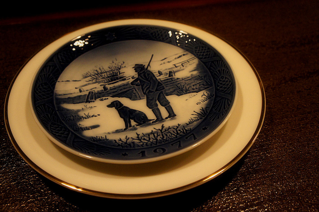 ロイヤルコペンハーゲンと1960年代のノリタケの式皿を合わせて和洋折衷