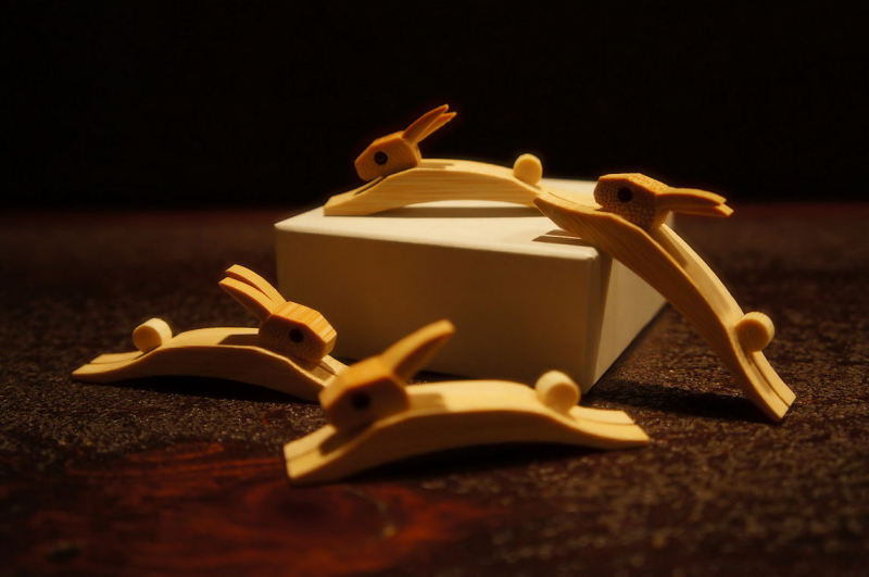 毎年変わる竹細工のお箸置き