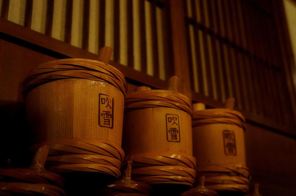 昔ながらの伝統杉樽はきりん山のお酒で楽しむべし