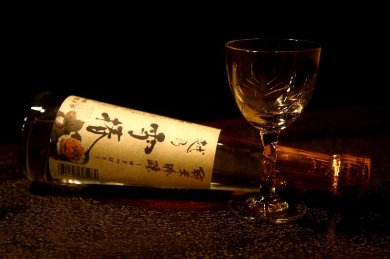 大人なカウンターで味わうは今宵特別な味わいに出会う新潟銘酒~大人な夜~