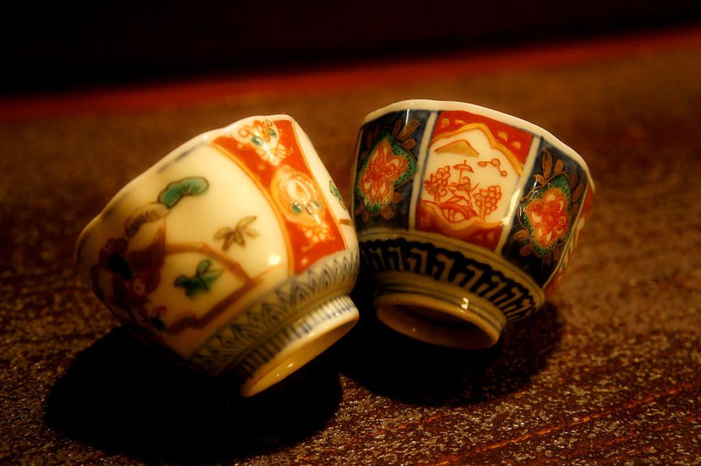 古き良き骨董の世界~伊万里の酒器でゆるりと味わう~