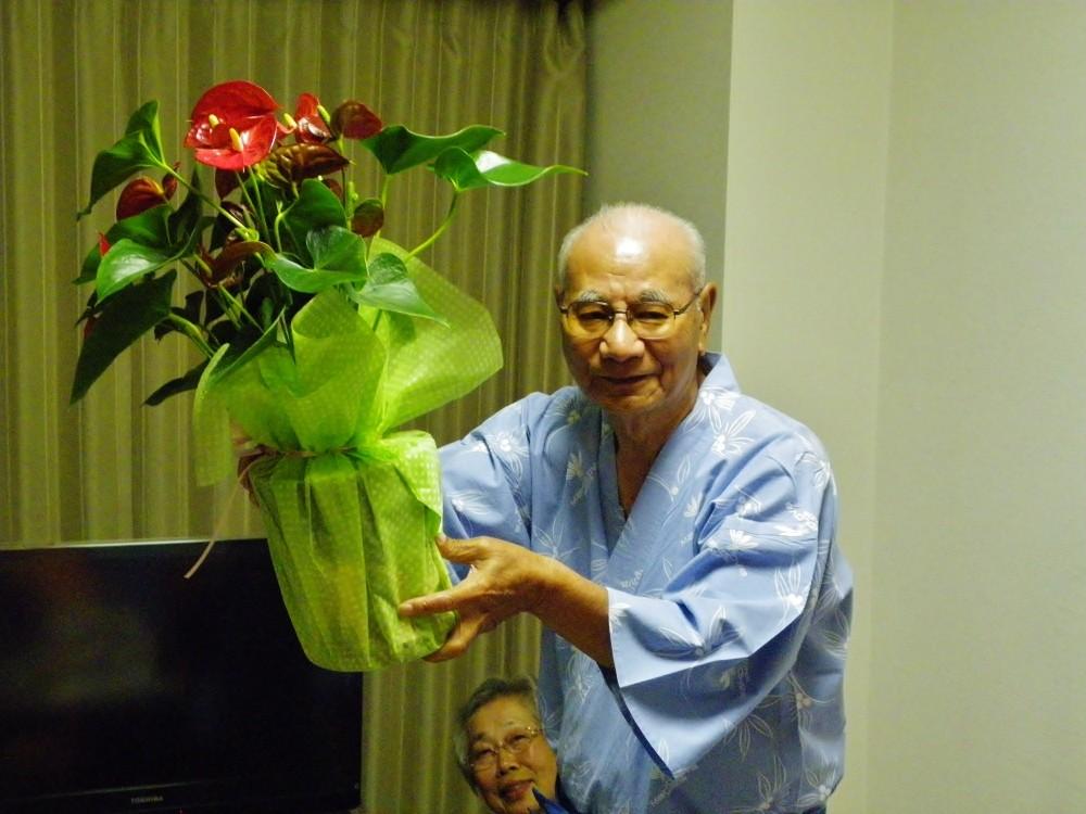 幹事殿に花束の贈呈
