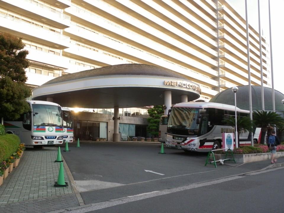 観光バスが沢山