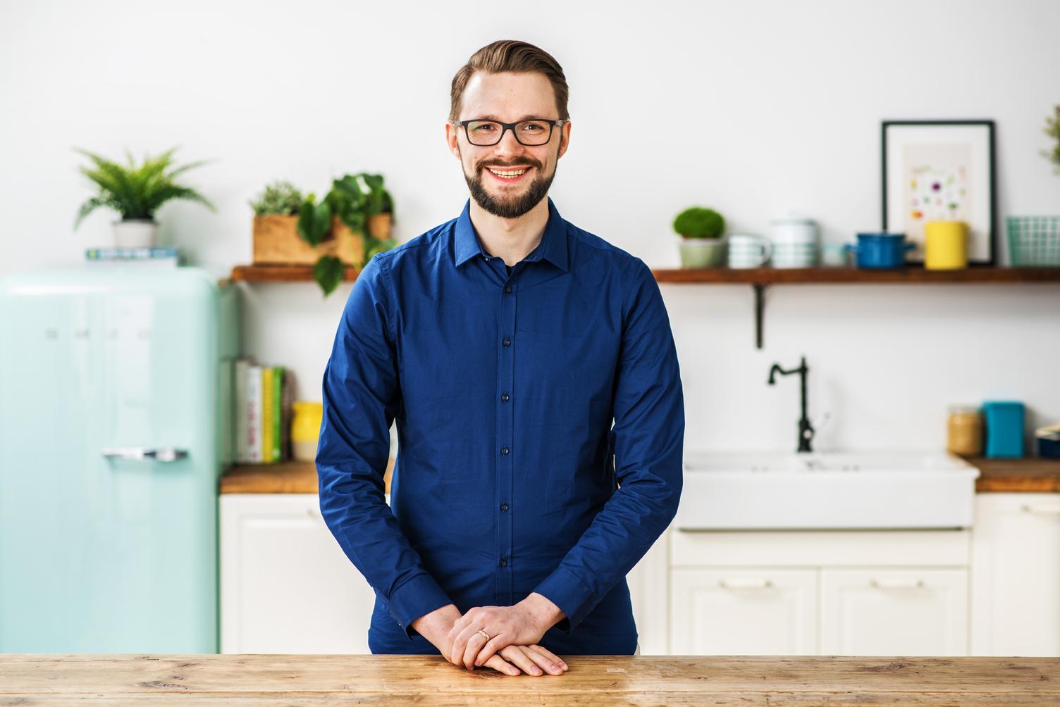 Marco Hartz in der HelloFresh Küche