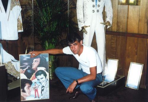 Joachim Thiess im Elvis Museum