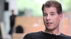 Neuro-econoom Paul Zak voerde onderzoek uit naar de effecten van verhaalstructuren op ons gedrag