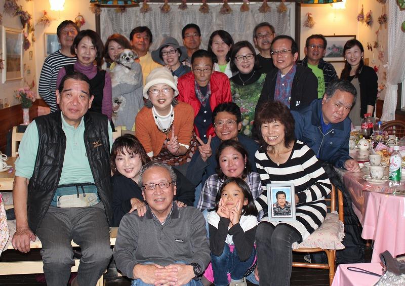 ペンションに戻って 和ママと片桐チーム全員で記念写真