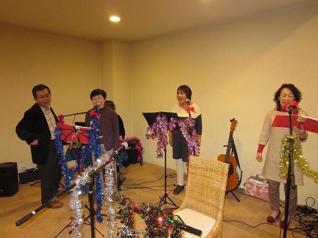 高校時代の友人も歌ってくれました・・皆さん合唱部現役組 さすがでした