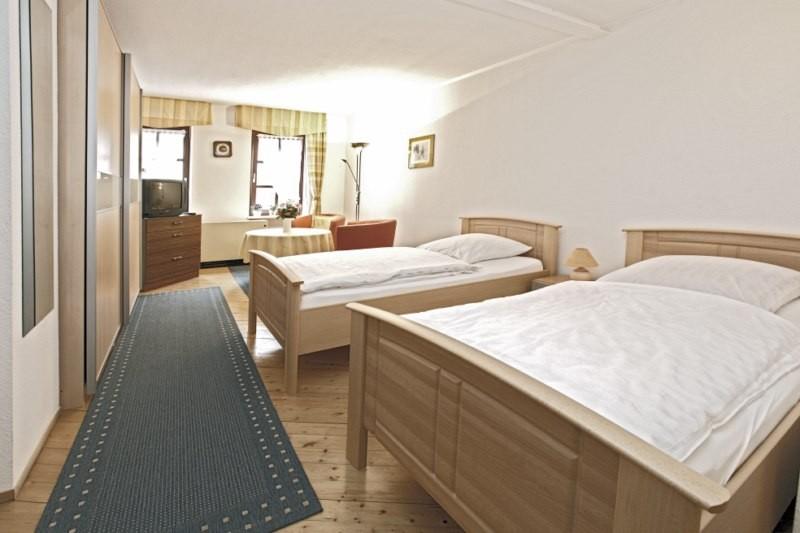 wohnung 1 ferienwohnung peschels webseite. Black Bedroom Furniture Sets. Home Design Ideas
