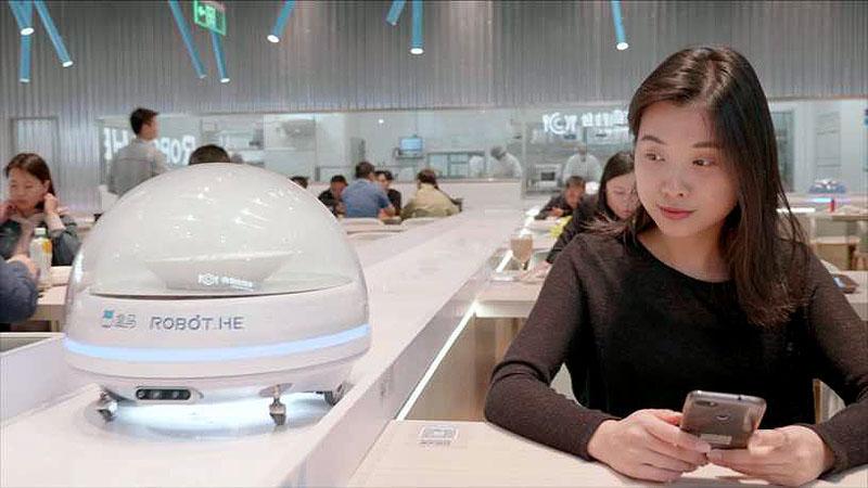Роботы-официанты, роботы-повара, роботы-клиенты... Перезагрузка общепита.