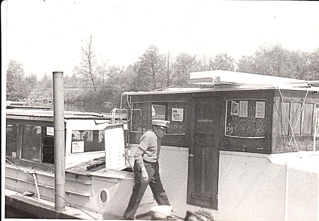 Ric's Art Boat. 1974 Captain Gaston