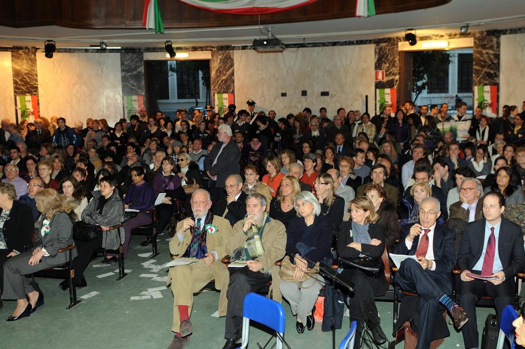 Aula Magna dell'Istituto Carlo Cattaneo . il Pubblico