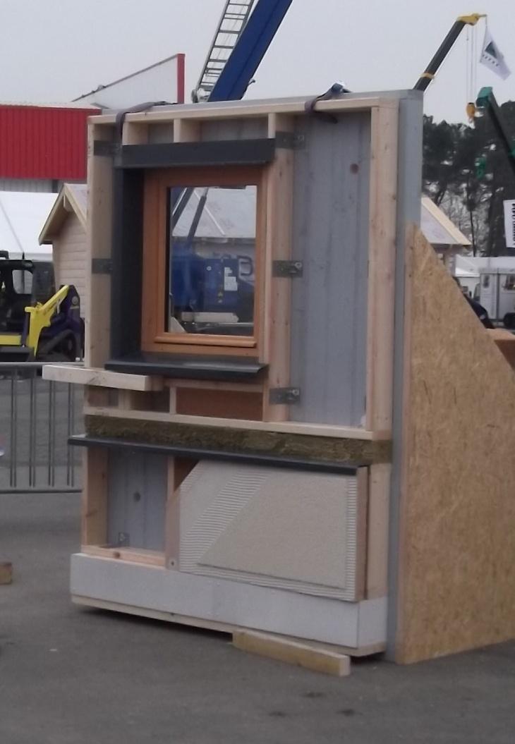 Maquette 1 exposée - artibat 2010 - Wood'ITE