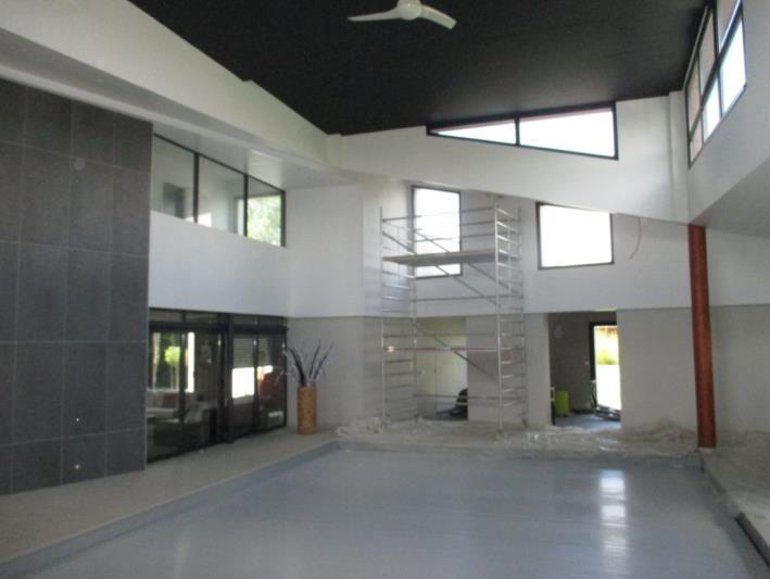 Piscine dans maison individuelle : expertise toiture / charpente bois