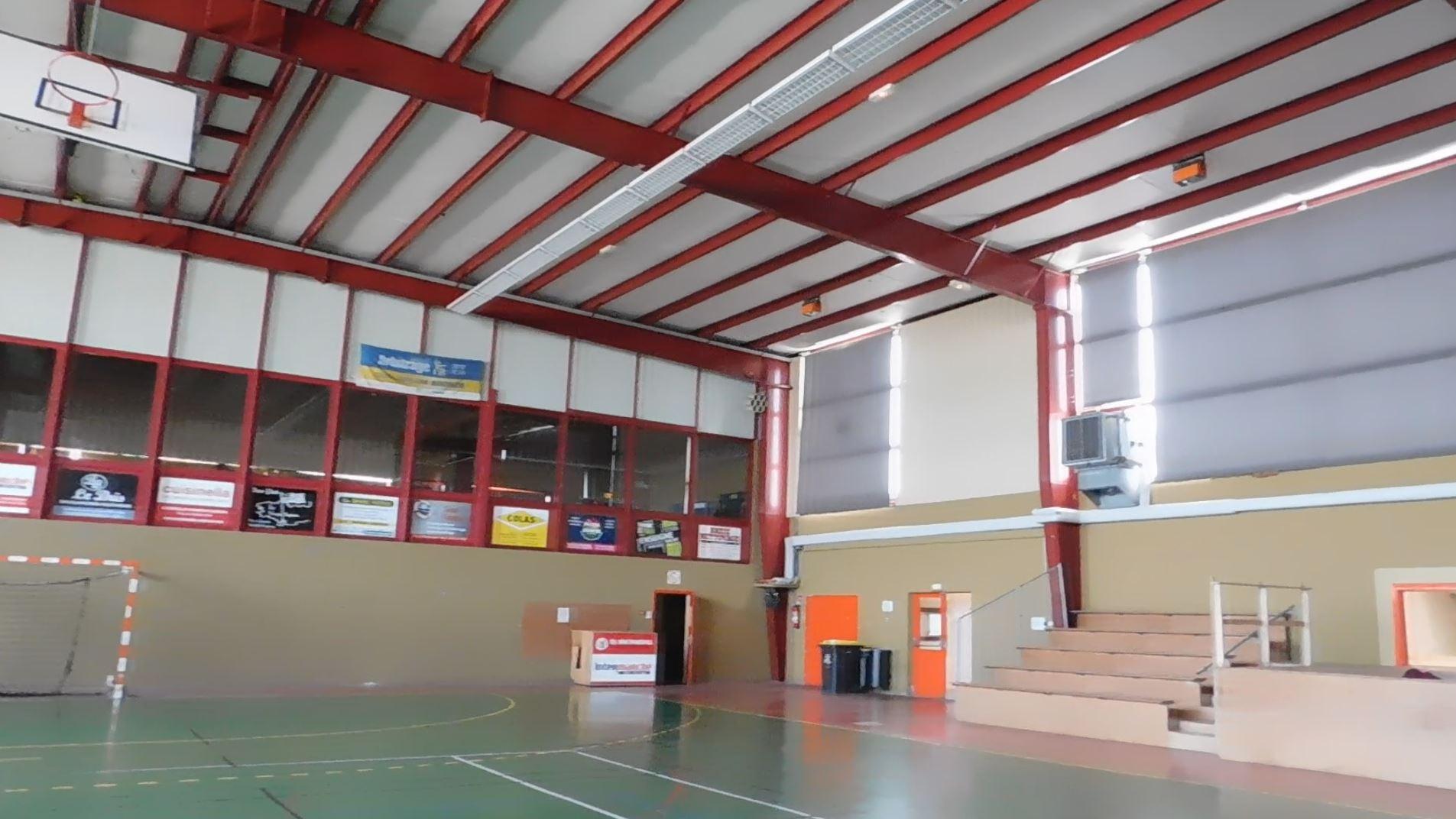 E.R.P. : salle de spoot - diagnostic état structure acier + étanchéité toiture