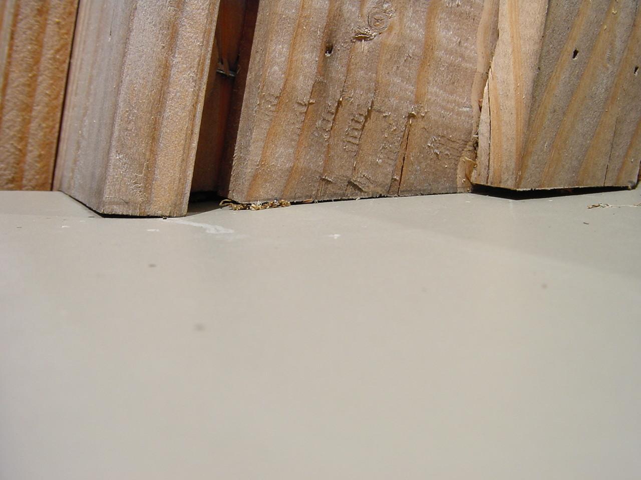 Angle en appui sur bavette : rétention d'eau par capillarité (2)