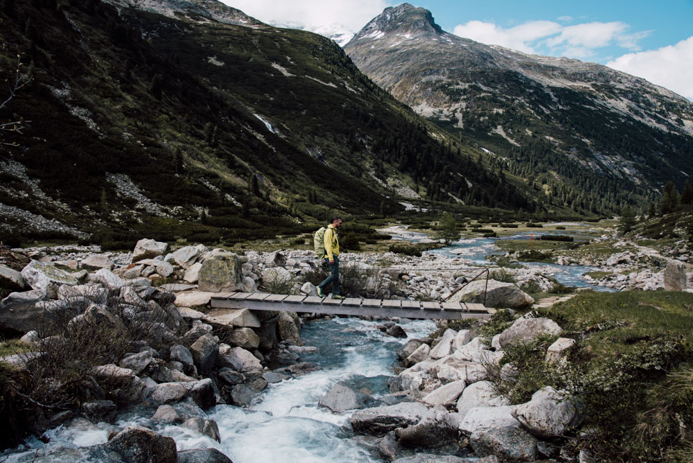 einfache Wanderung im Zillertal in atemberaubender Naturkulisse: vom Schlegeis Stausee, über den Zamser Grund zum Pfitscher Joch und den Pfitscher Joch Bergseen, Einkehr im ältesten Schutzhaus Südtirols, dem Pfitscher-Joch-Haus