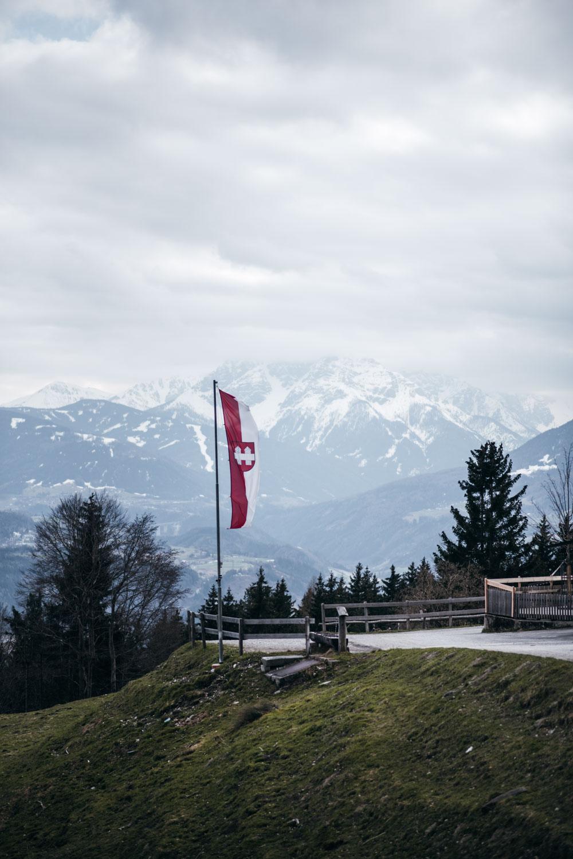 Schluchtenwanderung in Innsbruck: Rundwanderung durch die Mühlauer Klamm zur Arzler Alm, Wanderung und Ausflugsziel für Familien