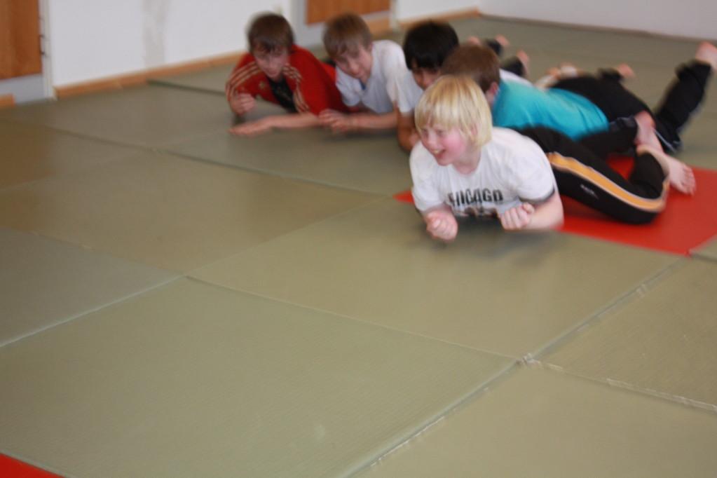 Kinder Selbstverteidigung - Gewaltdeeskalation - Selbstbehauptung - Sportschule Jan Springer Januar 2011