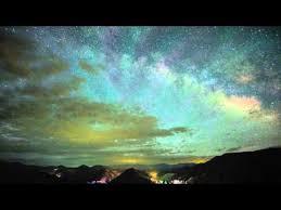 La communauté scientifique a validé, en 2016, une autre hypothèse de l'éminent scientifique, en confirmant l'existence des ondes gravitationnelles, hypothèse qu'il avait formulée il y a plus d'un siècle dans le cadre de sa théorie de la relativité général
