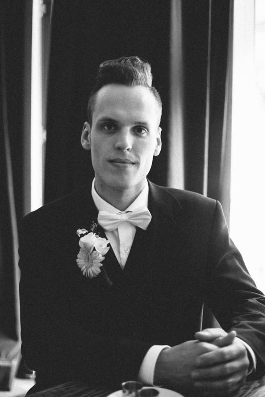 Portrait des 50er Jahre Bräutigams