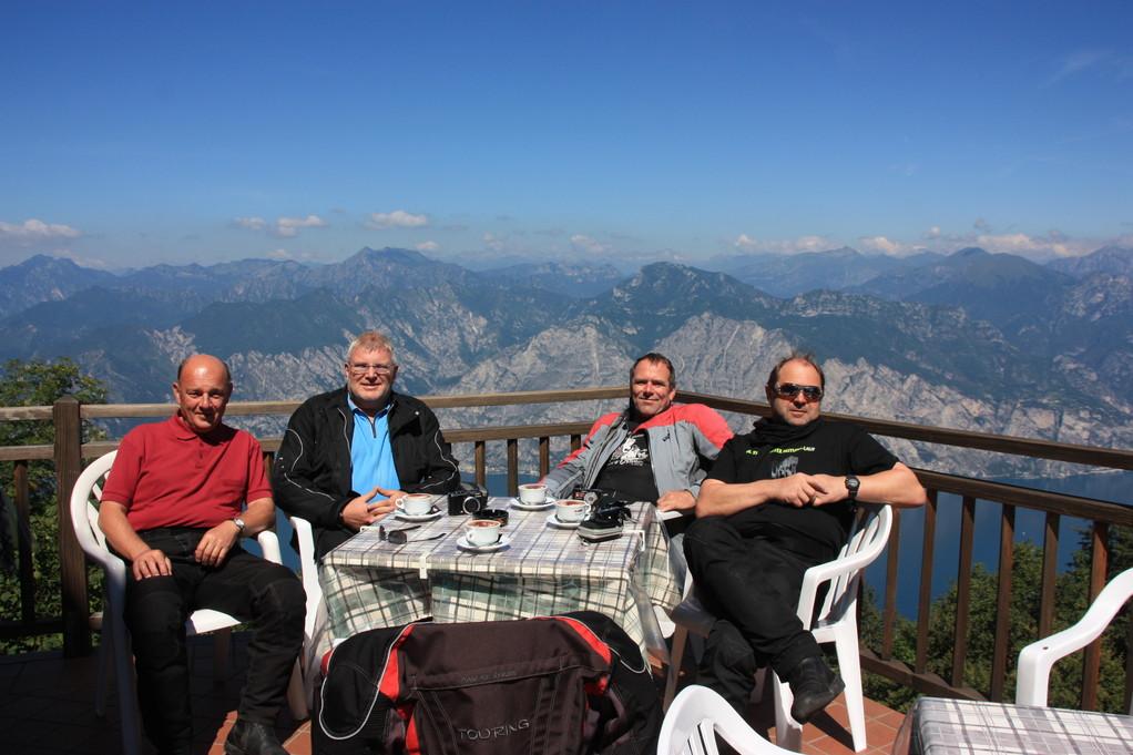 Kaffeepause Aussichtsgaststätte Monte Baldo-Höhenstraße