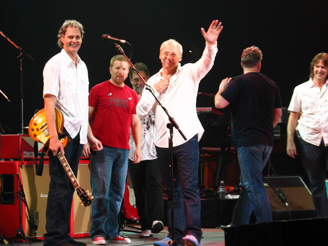 Glenn Worf, Matt Rollings, Richard Bennett, Mark Knopfler, Danny Cummings, Guy Fletcher,