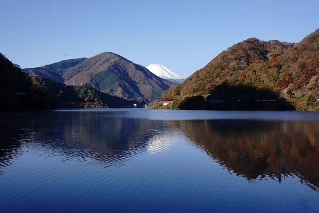 丹沢湖から