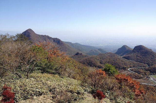 5/15 榛名富士から相馬山と二ツ岳が見える