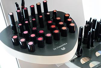 Dr. Hauschka Kosmetik im Kosmetikzimmer von Michaela Lindenau