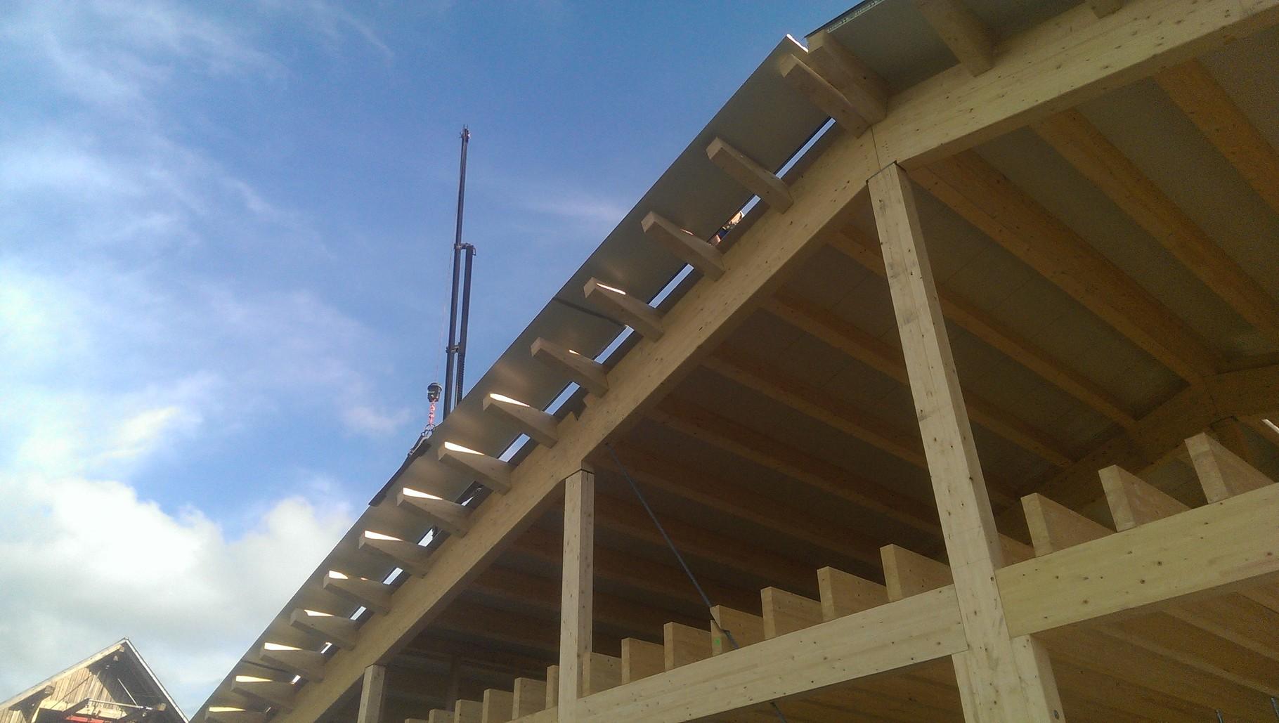 "09.08.14  .....Das Dach ist ""fertig"""